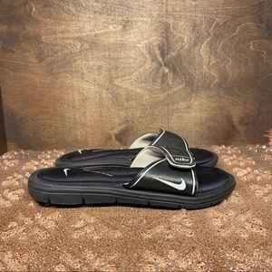 Nike Women's Comfort Slide Sandals Black / White